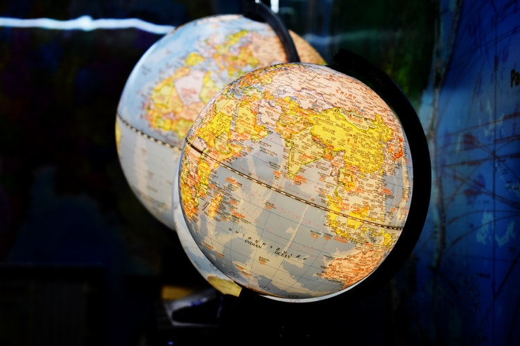 How to organize meetings crossing time zones