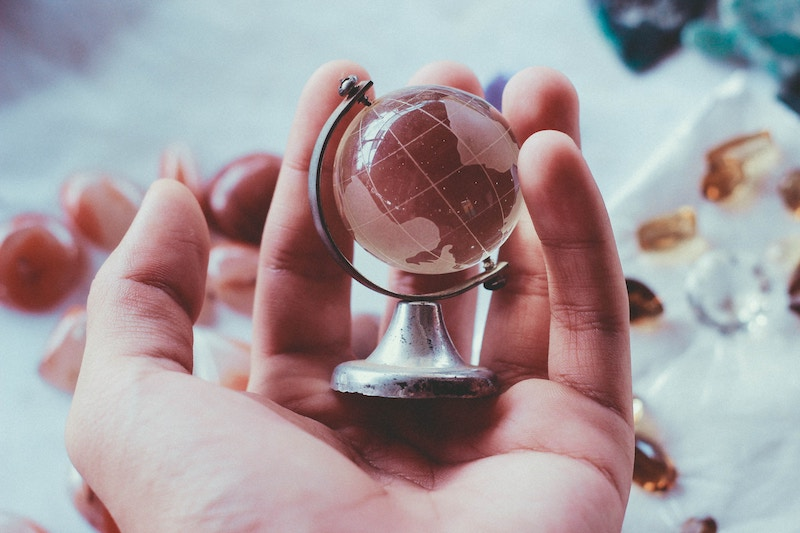 4 ideas to scale your service internationally